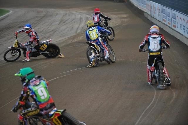 IV runda IMŚ na długim torze w RzeszowieMartin Smolinski wygrał w Rzeszowie czwarty turniej indywidualnych mistrzostw świata w wyścigach motocyklowych na długim torze.