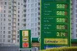 Ile kosztuje litr paliwa w Europie? Sprawdziliśmy to dla Was. Polska wśród najtańszych państw w całej Unii Europejskiej