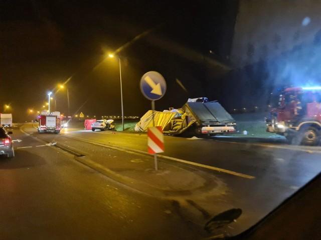 Tragiczny wypadek w Nakle. Zginęła młoda kobieta. Dwie osoby ranne