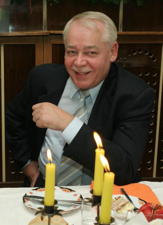 Choć Janusz Dziekoński już dawno nie jest prezydentem, sprawa pieniądzy wciąż się za nim ciągnie.