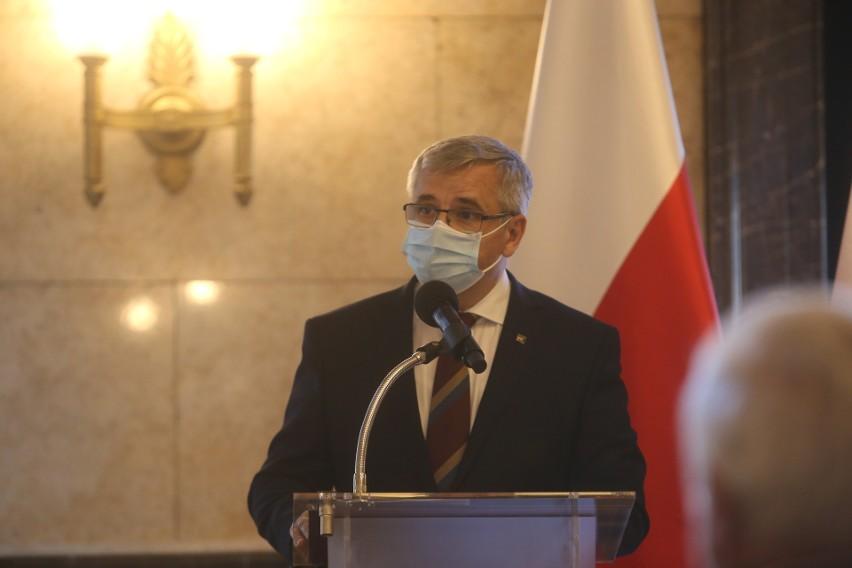 Krzyże Wolności i Solidarności w Katowicach przyznano 98...