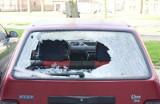 Zambrów - Pobite szyby w samochodach (zdjęcia)