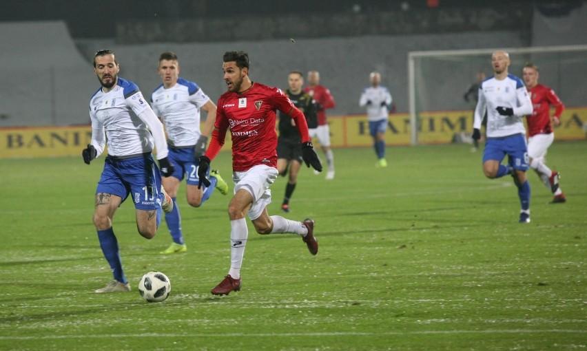 Konrad Wrzesiński (z piłką) jest bliski przejścia do...