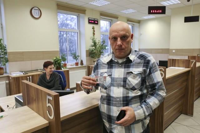 Grzegorz Szpakowski z Białegostoku już złożył wniosek o wydanie nowego dowodu osobistego. Teraz czeka aż nowy dokument będzie gotowy.
