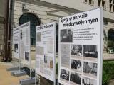 Władze Sandomierza zachęcają mieszkańców do udziału w Spisie Powszechnym. Na Rynku stanęła okolicznościowa wystawa [ZDJĘCIA]