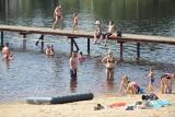 Niedziela nad zalewem Topornia koło Przysuchy. Przybyło dużo plażowiczów (ZDJĘCIA)