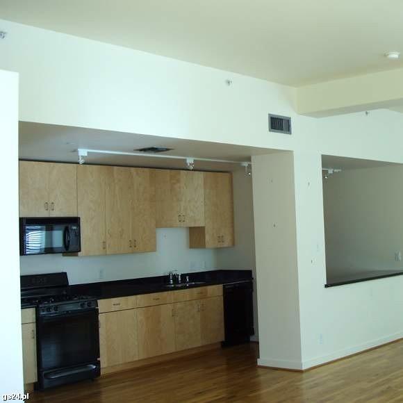 Kupno mieszkania pod wynajem wydaje się teraz najbardziej opłacalną inwestycją.