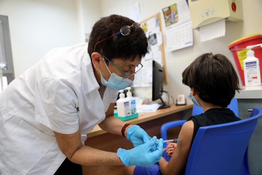 Tel Awiw: będzie trzecia dawka szczepionki przeciwko Covid-19 dla starszych obywateli Izraela