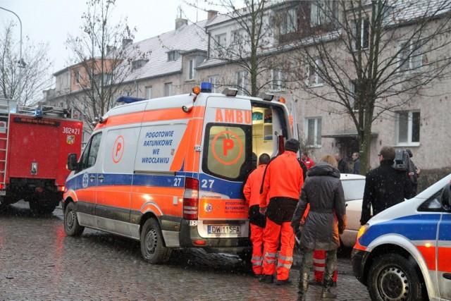 Zatrucie tlenkiem węgla - mieszkańcy zabrani do szpitala - zdjęcie ilustracyjne