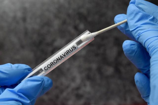 Przejazd autokaru rozpoczął pandemię koronawirusa w Polsce.