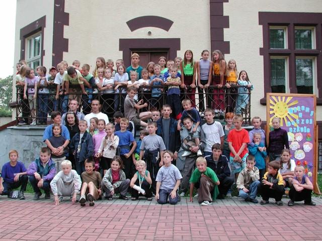 Uczniowie rogowskiej szkoły i ich przyjaciele z Doliny na Ukrainie.