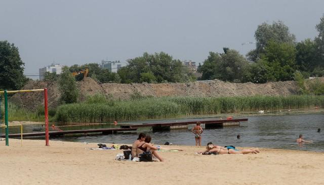 Obok rzeszowskiej Żwirowni rozpoczęła się budowa bloków.