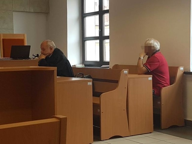 Związkowiec z Tychów, który chciał uprawiać seks z 14-latką, będzie ponownie sądzony. Sąd Okręgowy uchylił wyrok i przekazał sprawę do ponownego rozpoznania.