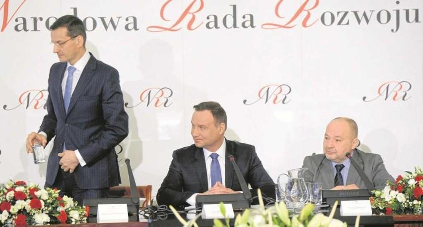 W Narodowej Radzie Rozwoju przy prezydencie Andrzeju Dudzie zasiada 101 osóbW Narodowej Radzie Rozwoju przy prezydencie Andrzeju Dudzie zasiada 101 osób
