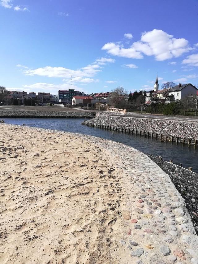 Panująca pogoda sprzyja realizacji inwestycji i wiele nowości dla korzystających w Parku Solidarności w Grajewie zostało już ukończonych.