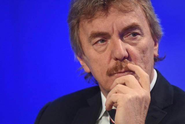 Prezes PZPN Zbigniew Boniek musi realizować wytyczne FIFA. A piłkarska federacja światowa nie znosi ustępstw