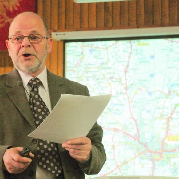Jeszcze przed rozpoczęciem debaty o S5 jej organizator - Witold Szylman - przedstawił zebranym wszystkie warianty.