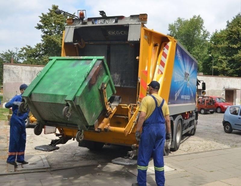 Firmy wywożące odpady liczą straty, ponieważ łodzianie...