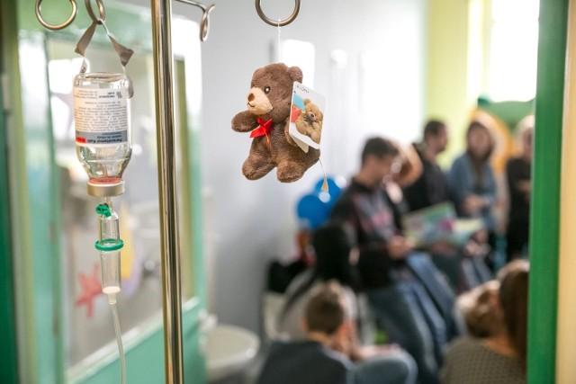 Rodzice 4-miesięcznego chłopczyka, który z obrażeniami ciała trafił do Górnośląskiego Centrum Zdrowia Dziecka w Katowicach, zostali aresztowani na miesiąc