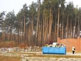 Tylko u nas! Uroczysty pogrzeb pośród hałd śmieci! (zdjęcia)