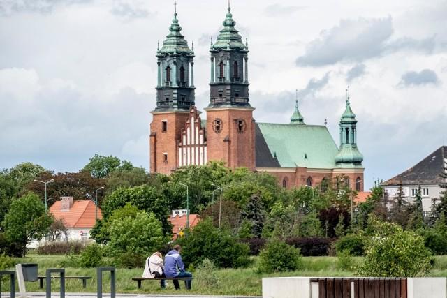 Do Polski napływają ciepłe masy powietrza, które przyczynią się do znacznego wzrostu temperatury. W Wielkopolsce na ciepłe dni możemy liczyć od niedzieli, 9 maja. Zobacz, jak wygląda prognoza pogody na weekend 7-9 maja w wielkopolskich miastach --->