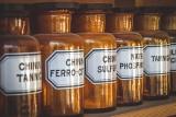 Aspiryna zmniejsza ryzyko zgonu z powodu COVID-19 prawie o 50 procent! Jak ustalenia naukowców komentują polscy lekarze?