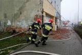 Pożar kwiaciarni w jednej z kamienic. Policjanci ewakuowali 18 osób