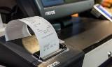 Kasjerzy pytają o kod pocztowy, klienci  odpowiadają. Sieci handlowe naruszają prawo?