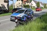 Wypadek na ul. Prószkowskiej w Opolu. Motocykl zderzył się z samochodem osobowym