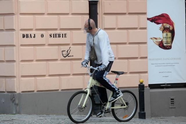 Rowerzysta może jechać chodnikiem tylko w wyjątkowych sytuacjach