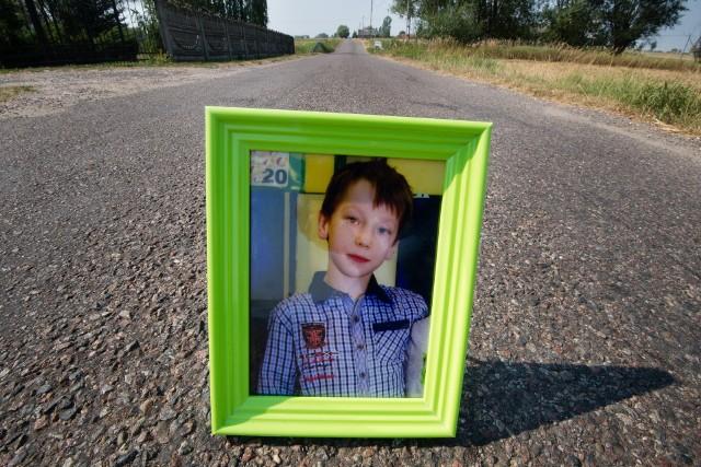 Drugi proces młodego kierowcy, które śmiertelnie potrącił 11-letnia Kacperka w Steklinku pod Toruniem, dobiegł końca. Czego w mowach końcowych dla Stanisława G. zażądali oskarżyciele i obrońca? Kiedy zapadnie wyrok?