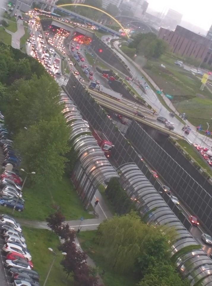 Korek w okolicach tunelu w Katowicach