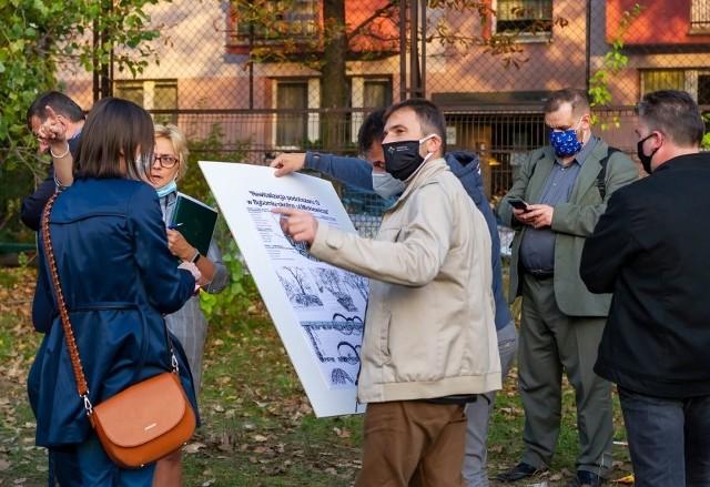 Za nami konsultacje społeczne w sprawie rewitalizacji ul. Mickiewicza w Bytomiu. Zobacz kolejne zdjęcia. Przesuwaj zdjęcia w prawo - naciśnij strzałkę lub przycisk NASTĘPNE >>>