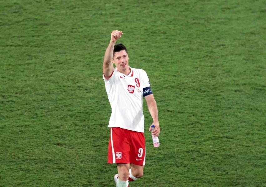 Polska - Szwecja 23.06.2021 r. Robert Lewandowski strzelił dwa gole, ale Polacy przegrali i odpadają. Wynik meczu, na żywo, RELACJA