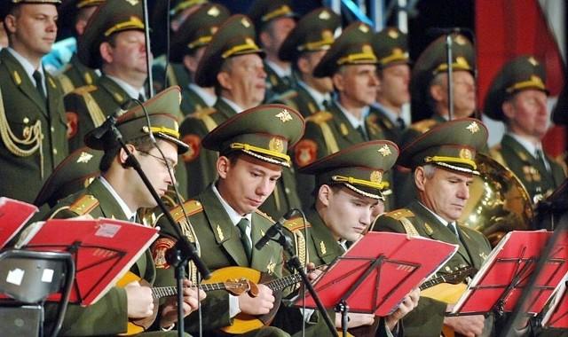 Chór Aleksandrowa to około 200 artystów - chórzyści, orkiestra, balet i oczywiście soliści.