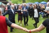 Wicemarszałkowie, Sejmu Ryszard Terlecki i Senatu Marek Pęk porwani do tańca na 5.Świętokrzyskim Festiwalu Smaków w Tokarni! [WIDEO, FOTO]