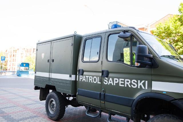 Bombą przy ul. Ciołkowskiego zajmie się wojskowy patrol saperski.
