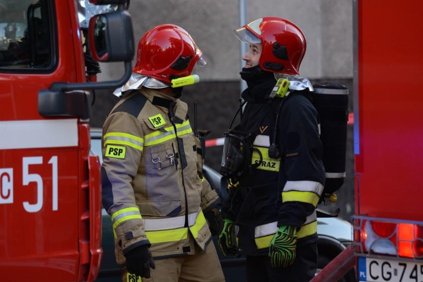 Pożar kamienicy przy ul. Kościuszki w Grudziądzu [zdjęcia]