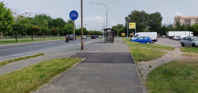 brak oznakowania na drodze rowerowej