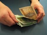 W 2024 roku będziemy zarabiać 7200 złotych? Tak może być