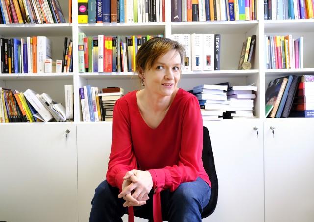 Dr Magdalena Nowak – Paralusz, socjolożka i politolożka z WSB w Toruniu: - Zjednoczona Prawica uważa, że nawet w brutalny sposób, ale przepchnie swoje opcje, a pieniądze i tak z Brukseli dostanie.