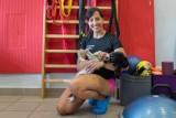 Fizjoterapeuta tworzy żywą tkankę kadry. Odpowiedzialność za kondycję sportowców czuje na placach
