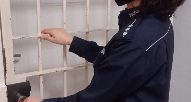 Na terenie powiatu sanockiego policja zatrzymała dwie poszukiwane osoby.