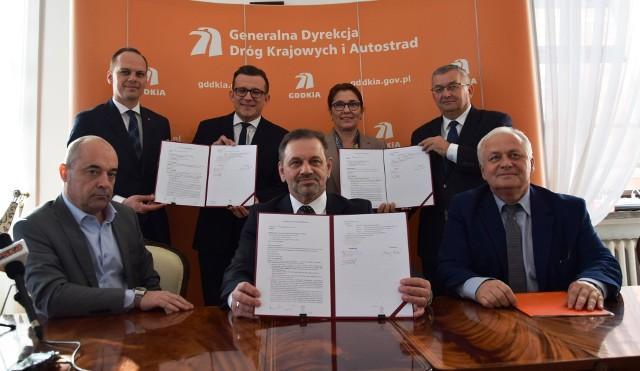 Podpisanie umowy na opracowanie dokumentacji dwóch odcinków S17 od Piask do Hrebennego