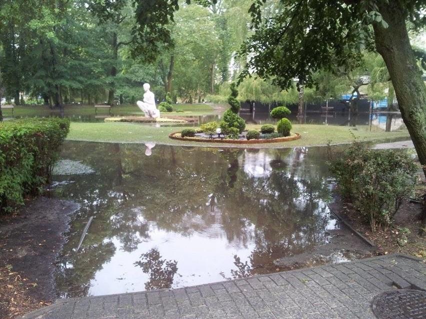 Burza i ulewa zawitała nawet do Międzyzdrojów. Zdjęcia zostały wykonane dzisiaj (4.08.2014) rano o 7.