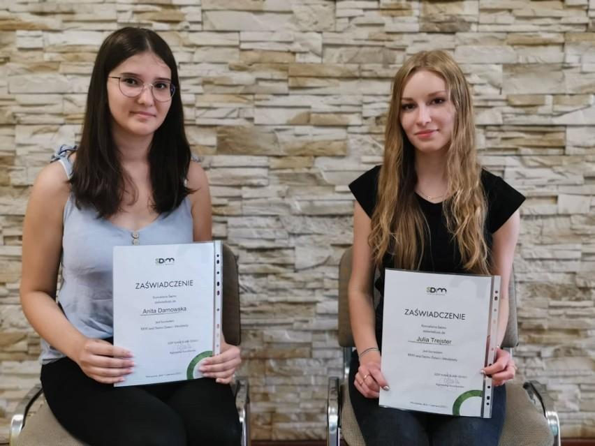 Uczennice I Liceum Ogólnokształcącego w Koluszkach laureatkami konkursu ogłoszonego przez Sejm Dzieci i Młodzieży