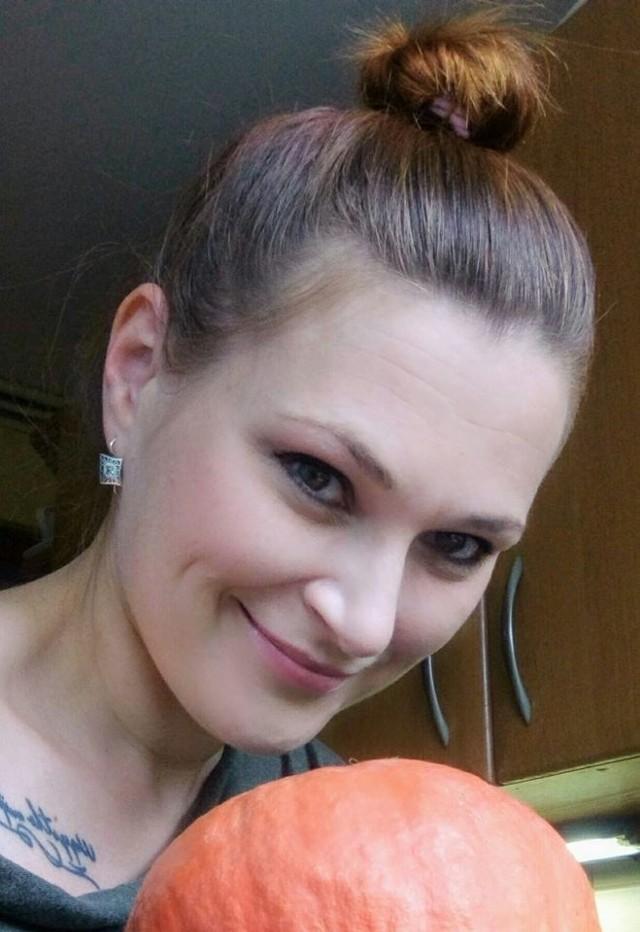 """Małgorzata Dziewońska-Bajkiewicz z Opola jest wolontariuszką """"Widzialnej ręki"""". Błyskawicznie zorganizowała obiad dla seniorów, którzy zostali na lodzie."""