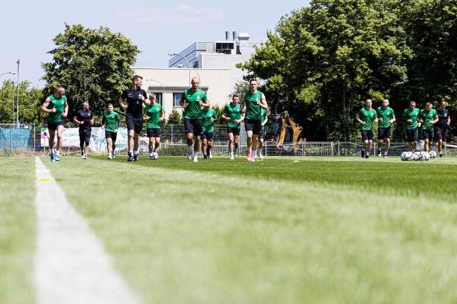 Piłkarze Warty Poznań w 16-osobowym gronie rozpoczęli przygotowania do nowego sezonu