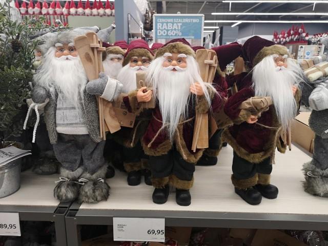 Mikołajki tuż, tuż. W najbliższą niedzielę – 6 grudnia – będziemy hołdować tradycji obdarowywania najbliższych drobnymi upominkami. Czekają na nie szczególnie dzieci. To one będą pierwsze już od rana zaglądać w zakamarki swoich pokoi, szukając niespodzianek pod poduszką, w butach czy wywieszonych na drzwiach albo przy kominku specjalnych świątecznych skarpetach na prezenty.Nie trzeba na nie wydawać fortuny.Czytaj dalej na kolejnych zdjęciach