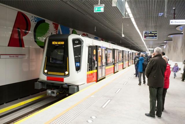 """Jak przekonuje  Piotr Rachwalski, pytanie nie powinno brzmieć: """"Czy budować metro?"""", tylko raczej skąd wziąć na nie pieniądze lub bardziej dosadnie: """"Komu zabrać pieniądze, by sfinansować budowę metra"""""""